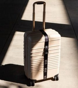 How to Use a Luggage Strap